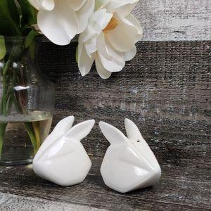 Denmark oragmai bunny rabbit salt & pepper shakers